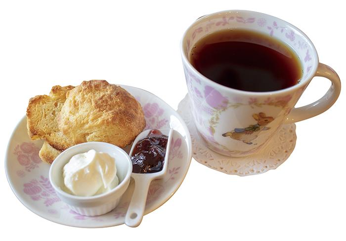 クリームティー(スコーンと紅茶のセット)… 850円(税込)