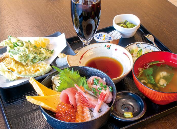 ランチ得セット 880円(税込):天ぷら、ドリンク、デザート