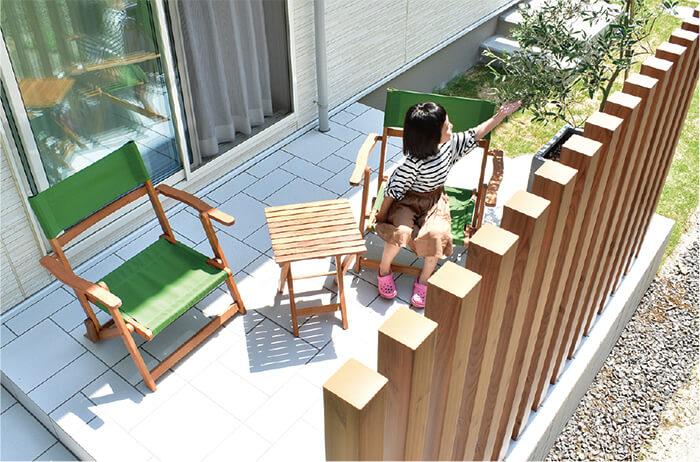タイルテラスは家庭の憩いの場として人気。お手入れも簡単でオススメです。